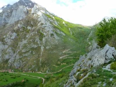 Ruta Cares-Picos de Europa; monte de el pardo las presillas de rascafria nacimiento río cuervo esta